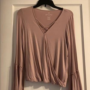 Long sleeved American eagle blouse